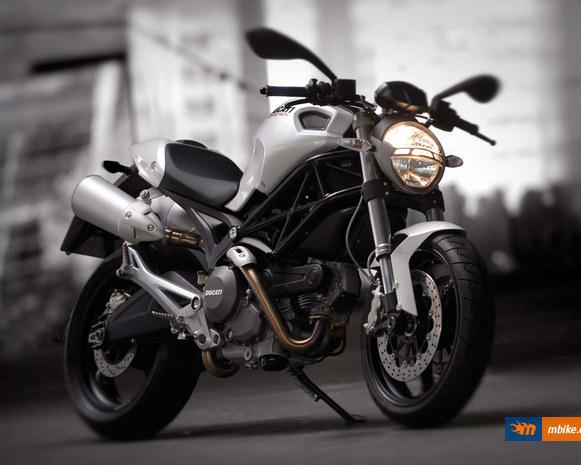 2008 Ducati Monster 696