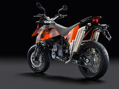 Photo of a 2010 KTM 690 Supermoto