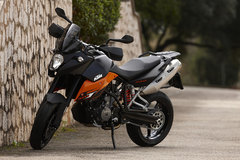 Photo of a 2009 KTM 990 Supermoto T
