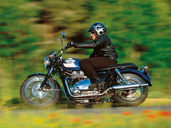 Photo of a 2003 Triumph Bonneville 800