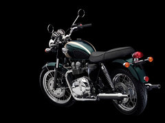 Photo of a 2004 Triumph Bonneville T 100