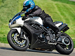 Photo of a 2010 Triumph Daytona 1050