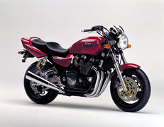Photo of a 1995 Yamaha XJR 1200