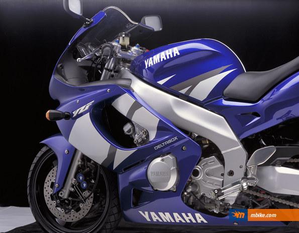 2002   MOTO YAMAHA  YZF 600 R THUNDERCAT CATALOGUE