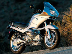 Photo of a 1992 BMW R1100RS