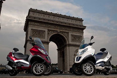 Photo of a 2010 Piaggio MP3 300 Hybrid