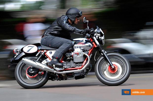 2011 Moto Guzzi V7 Racer - click on the image