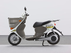 Photo of a 2011 Suzuki e-Let's