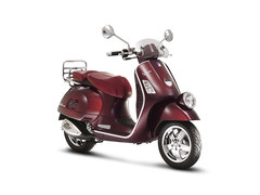 Photo of a 2011 Vespa GTV Vie della Moda