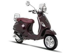 Photo of a 2011 Vespa LXV Vie della Moda