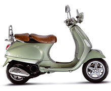 Photo of a 2011 Vespa LXV 125