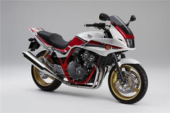 Photo of a 2011 Honda CB 400 Super Bol d'Or Special Edition