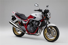 Photo of a 2011 Honda CB 400 Super Four Special Edition