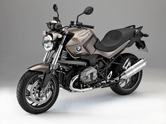 Photo of a 2015 BMW R1200R
