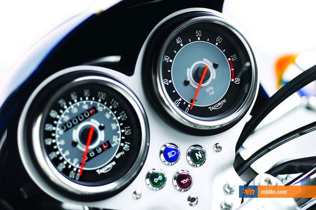 2013 Triumph Bonneville T 100 (900)